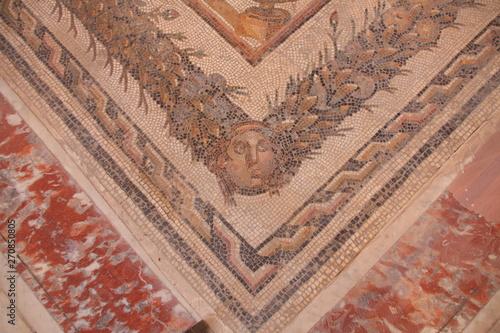Fotobehang Oude gebouw sol en mosaïque à Carthage