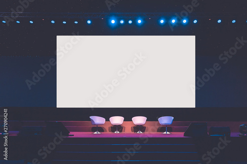 Fotografía chairs on stage in conference hall  at business event or seminar meeting, busine