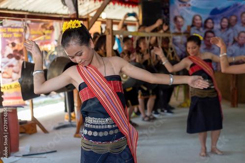 fototapeta na lodówkę Beautiful young girls from Kota Belud Kadazan Dusun ethnic performed traditional dance during state level Harvest Festival in KDCA, Kota Kinabalu, Sabah Malaysia.
