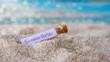 Leinwandbild Motiv Flaschenpost mit einem Zettel: Sommerferien