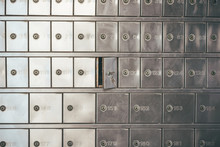Private Bank Deposit Box - Clo...