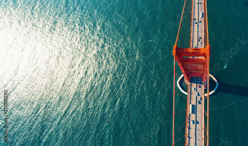 Photo sur Toile Ponts Aerial view of the Golden Gate Bridge in San Francisco, CA