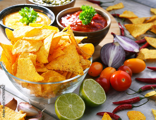Poster Fleur Composition with bowl of potato chips.