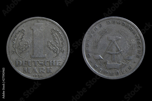 Photo Vintage DDR (GDR - German Democratic Republic) 1 Mark aluminium coin 1956 year
