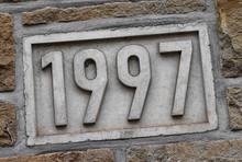 1997 Jahreszahl In Stein