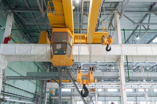 Obraz Factory overhead crane - fototapety do salonu