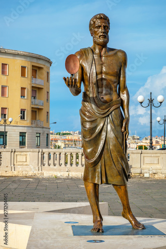 Statue of Archimede. Syracuse, Sicily, Italy Canvas Print