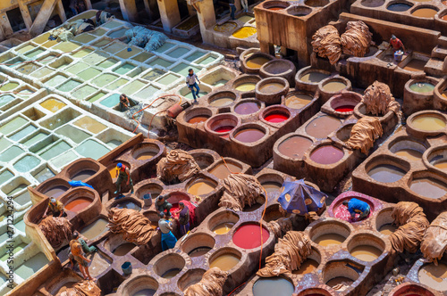 Fotomural Aerial view of the colorful leather tanneries of Fez, Morocco