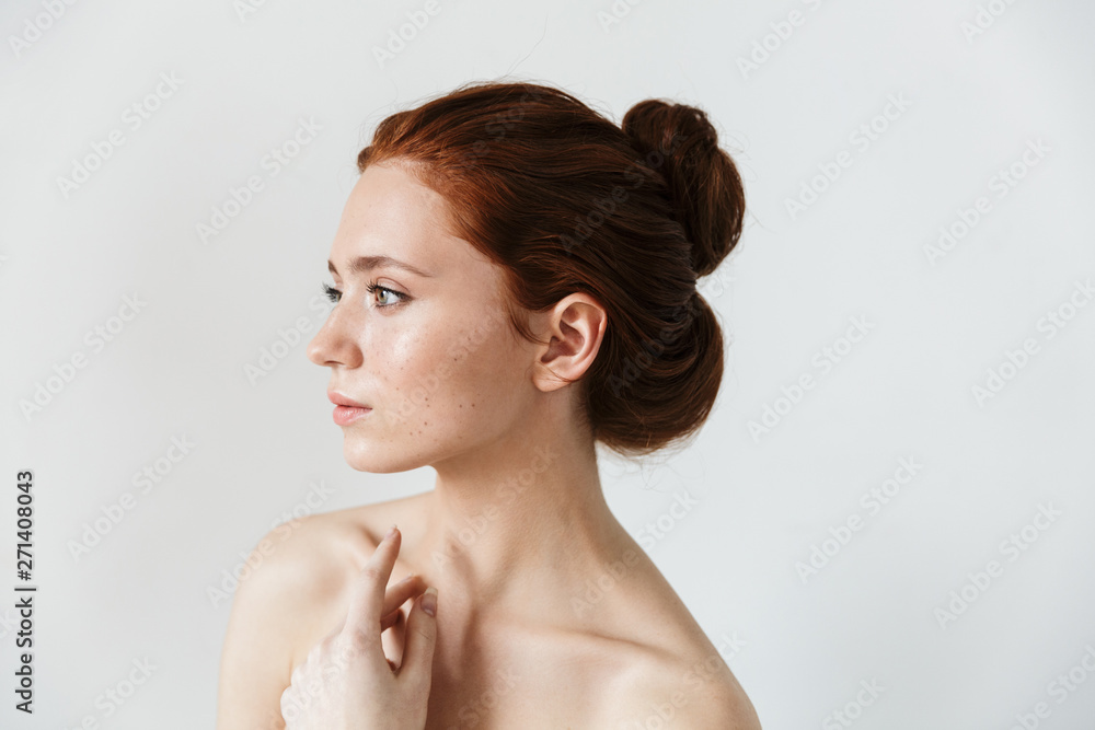 Fototapety, obrazy: Beauty portrait of an attractive young topless redhead woman