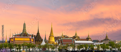 Poster Bangkok Wat pra kaew, Grand palace Temple of the Emerald Buddha full official name Wat Phra Si Rattana Satsadaram is travel destination in Bangkok ,Thailand on beautiful sky background with clipping patch