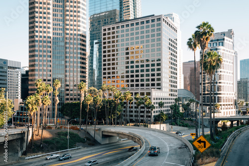 Slika na platnu Los Angeles cityscape skyline view of the 110 Freeway, in downtown Los Angeles,