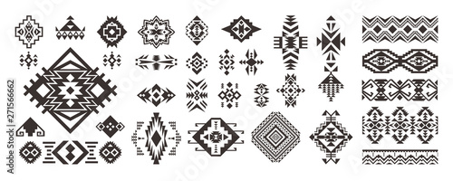Poster Boho Stijl Set of Tribal decorative elements isolated on white background. Ethnic collection. Aztec geometric ornament.