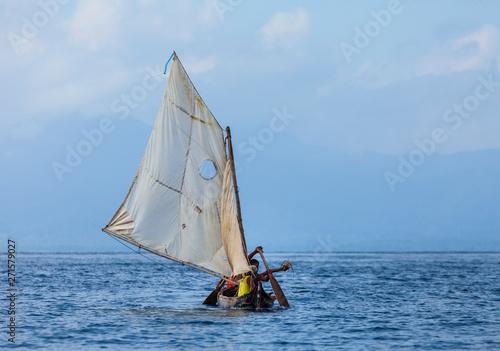 La pose en embrasure Zanzibar Traditional fishing boat, San Blas archipelago, Kuna Yala Region, Panama, Central America, America