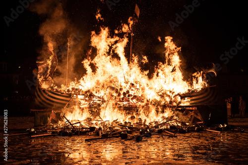 Obraz na plátně  2019 Up Helly Aa Burning Viking Galley Ship