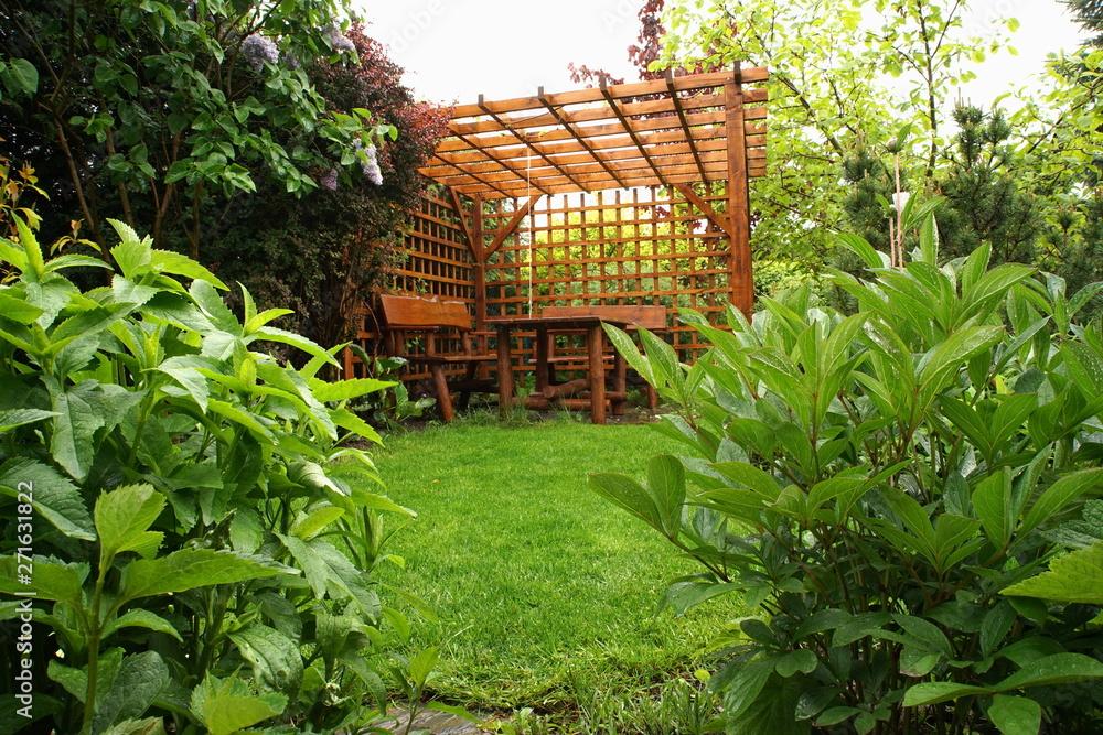 Fototapeta Altana w ogrodzie