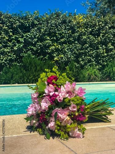 Fototapety, obrazy: offrir des fleurs vertical