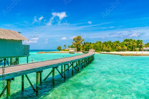 Foto auf Gartenposter Strand Beautiful water villas in tropical Maldives island .