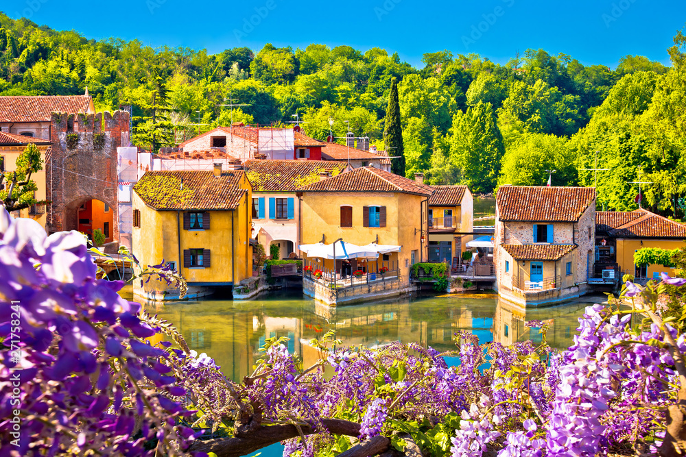 Fototapety, obrazy: Mincio river and idyllic village of Borghetto view