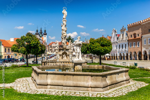Keuken foto achterwand Oude gebouw Main square of Telc city, a UNESCO World Heritage Site, on a sunny day with blue sky and clouds, South Moravia, Czech Republic.