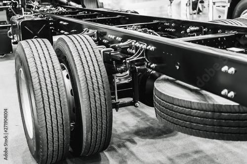 Fotografía  Car Truck Chassis Inside Body