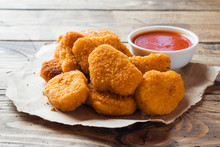 Chicken Nuggets With Tomato Sa...