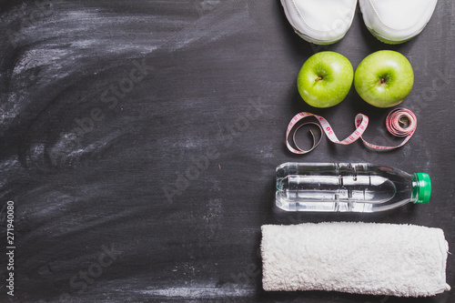 Healthy composition with towel, apples and water bottle - 271940080