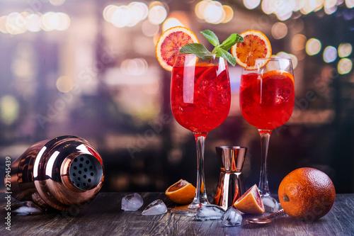 Billede på lærred Italian Aperol Spritz cocktail