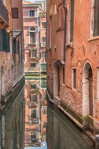 Venice canal ,narrow navigation routes in Venice, march, 2019 © Laurenx