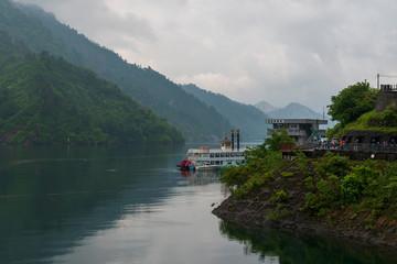Fototapeta na wymiar 初夏の奥只見湖