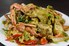 Stir-Fried Crab With Curry Pow...