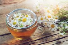 Daisy Flowers In Tea Infuser A...