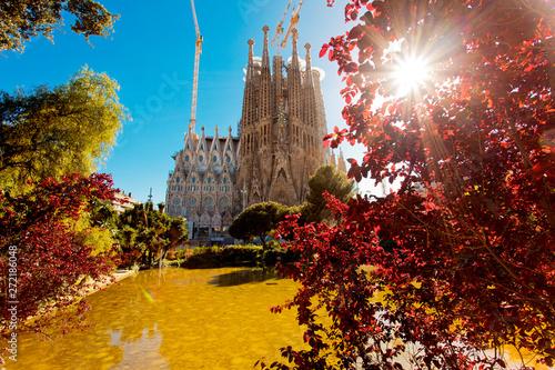 Montage in der Fensternische Barcelona Sagrada Familia in Barcelona Spain