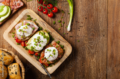 Fototapety, obrazy: Sandwiches with a poached egg