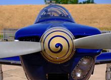 Ancien Avion à Hélice
