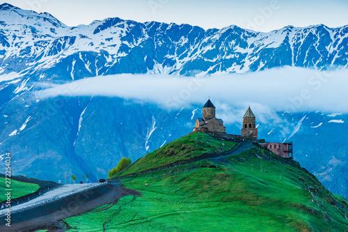 gory-gruzji-piekny-krajobraz-gor