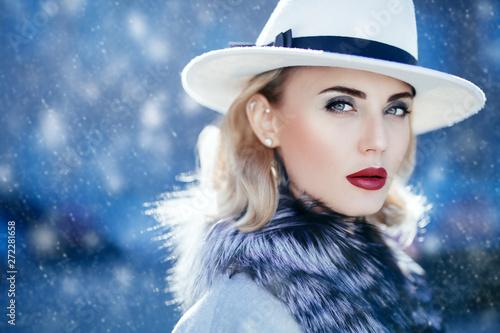 Fotografie, Obraz  lady in hat