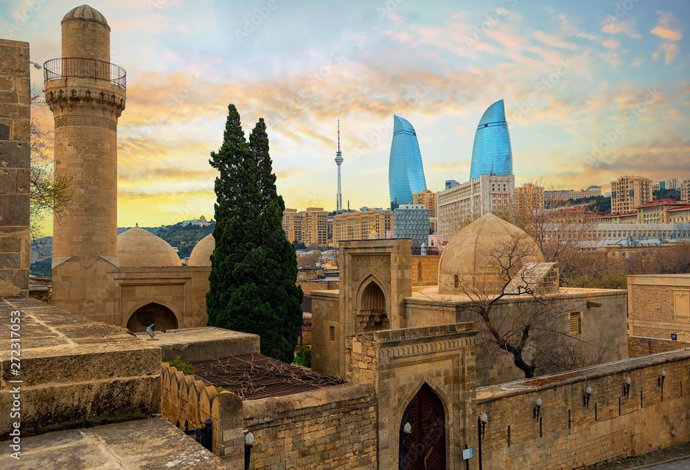 Fototapety, obrazy: Old and modern architecture in Baku city, Azerbaijan