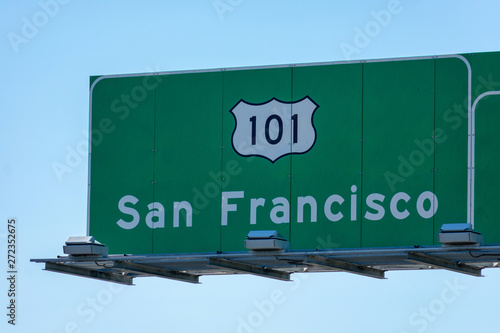 Photo Interstate 101 highway road sign showing drivers the directions to San Francisco