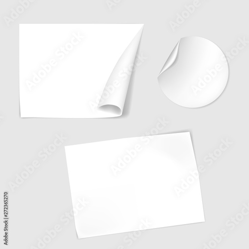 Blank paper stickers with corner curl, vector mock-up set