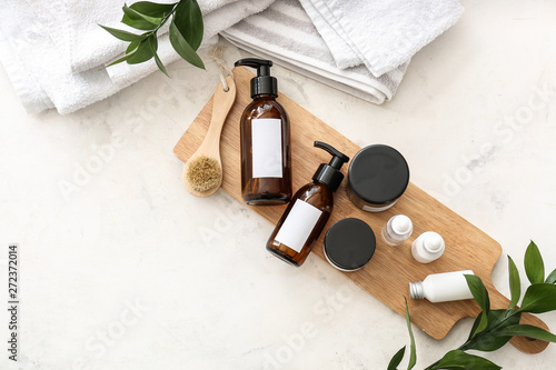 Obraz Set of cosmetics for personal hygiene on table - fototapety do salonu
