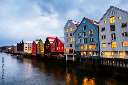 Photo  City center of Trondheim, Norway during the cloudy winter day