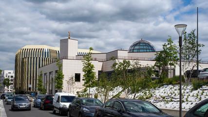 Nowoczesny meczet w mieście Masi, Francja