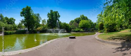 Photo vue panoramique du bassin du jardin Lecoq, Clermont-Ferrand