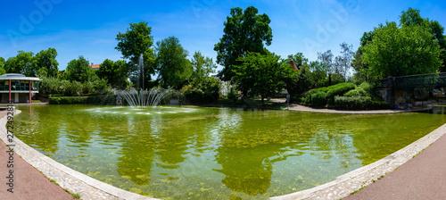 vue panoramique du bassin du jardin Lecoq, Clermont-Ferrand Canvas Print