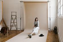 Behind The Scenes Of Model Sit...