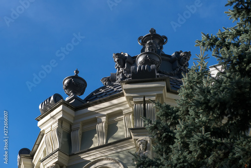 """Fototapeta  MOSCOW - OCTOBER 27, 2018: Von Reck Manor (also known as the Reck Mansion, """"House with Lions"""") is a building on Pyatnitskaya Street"""