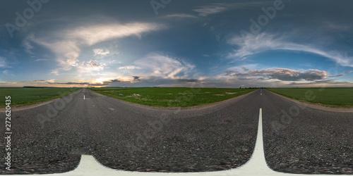 Foto  seamless spherical hdri panorama 360 degrees angle view on asphalt road among fi
