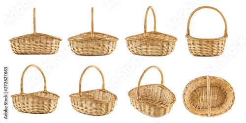 Fotografía  Set of wicker picnic baskets shot from different angles.