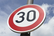 Verkehrsschild Zulässige Höchstgeschwindigkeit