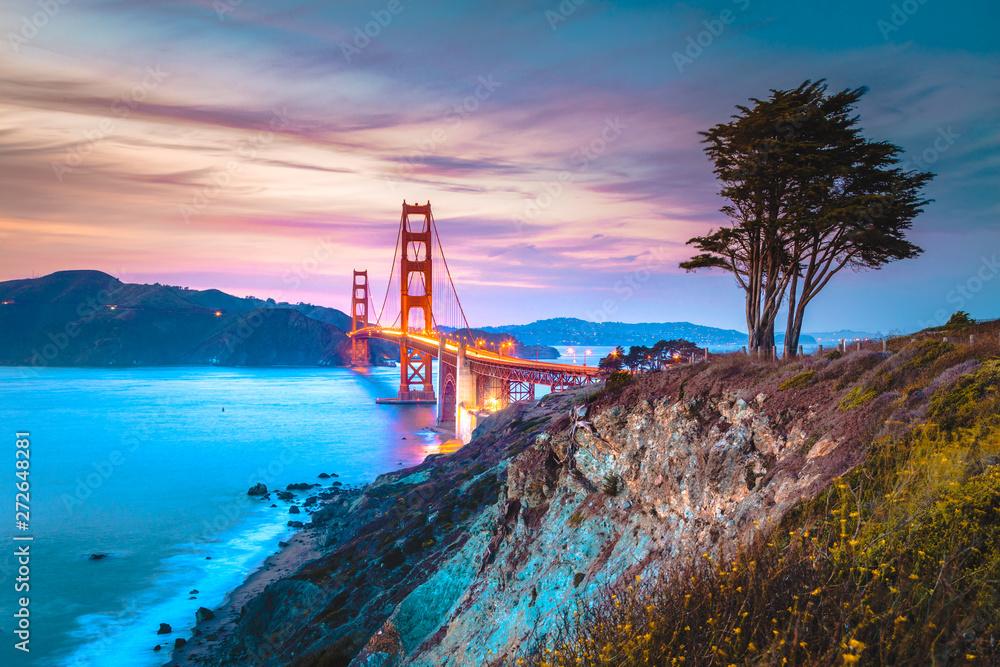 Fototapeta Golden Gate Bridge at twilight, San Francisco, California, USA